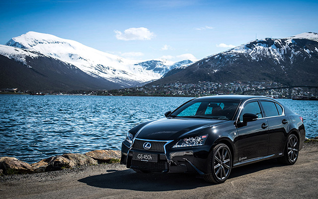 12-06-25-lexus-gs-450h-f-sport-wallpaper.jpg