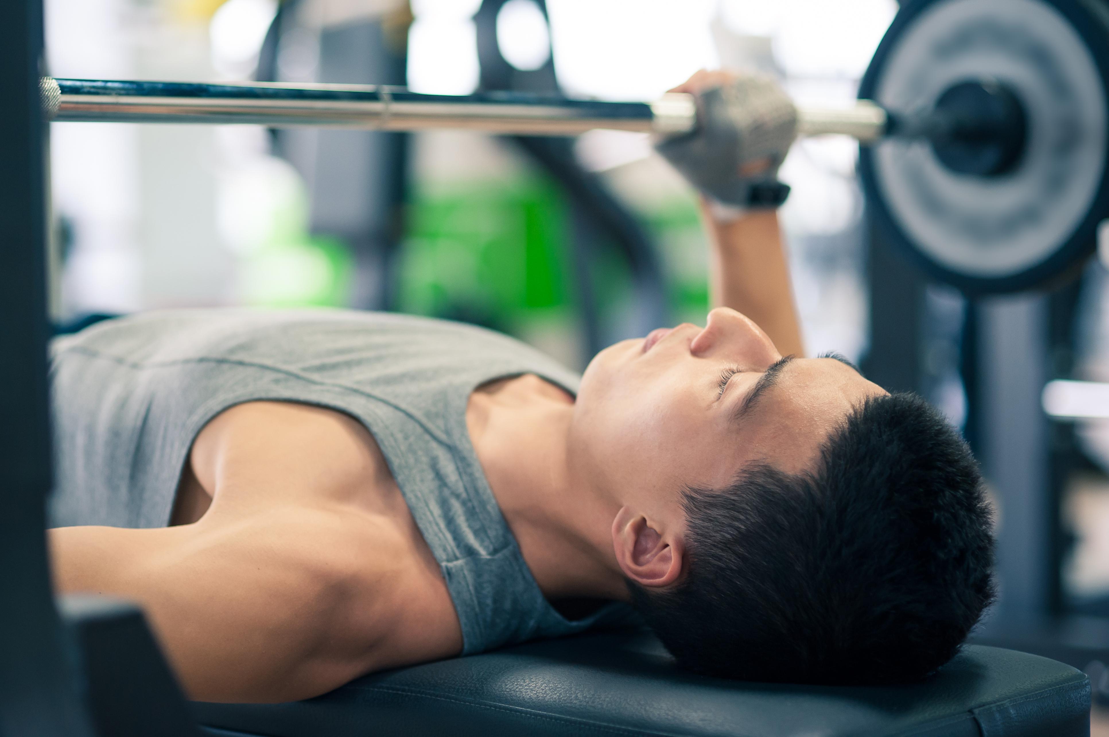 Фото молодые в спортзале 11 фотография
