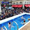 Thumbnail of crowd@pool.jpg