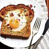 1208p28-baked-egg-in-a-hole-l.jpg